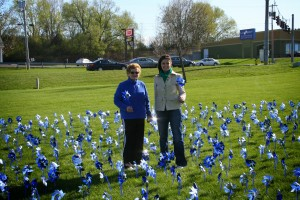 Junior League of Syracuse members raise awareness of National Child Abuse Prevention Month, April 2010